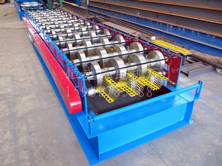 810型三峰防风抑尘板设备